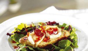 Bruschette-cu-brânza-de-capra-624-x-704-px